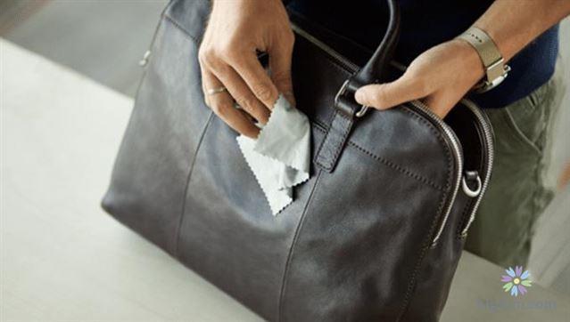 Hướng dẫn vệ sinh túi da