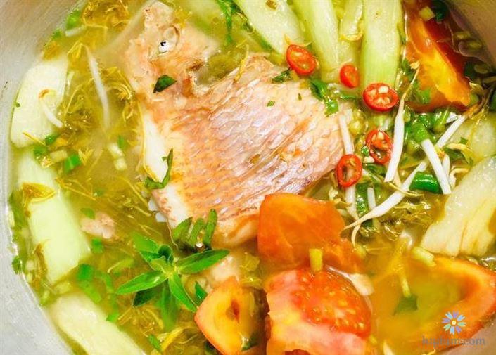 Hoàn thành món canh cá diêu hồng