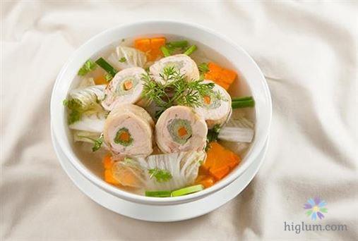Công thức nấu món canh cải thảo cuộn thịt heo