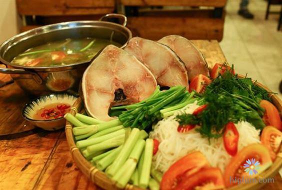 Lẩu cá trắm chứa nhiều dinh dưỡng tốt cho cơ thể