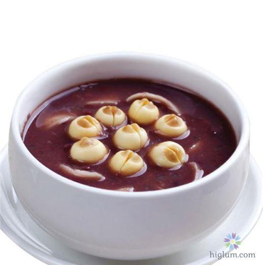 Cách nấu chè đậu đỏ hạt sen (Nguồn: higlum)